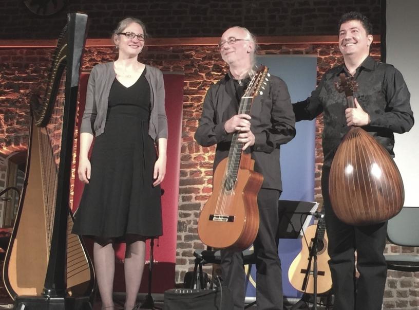 Trio Jamil bei einem Auftritt
